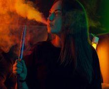 Gasto com fumo cresceu 80%: qual o risco à saúde de produtos como narguilé?